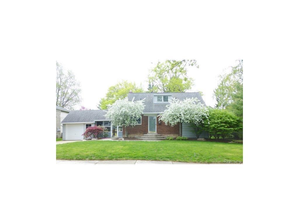 2187 Van Antwerp St, Grosse Pointe Woods, MI 48236   MLS ...