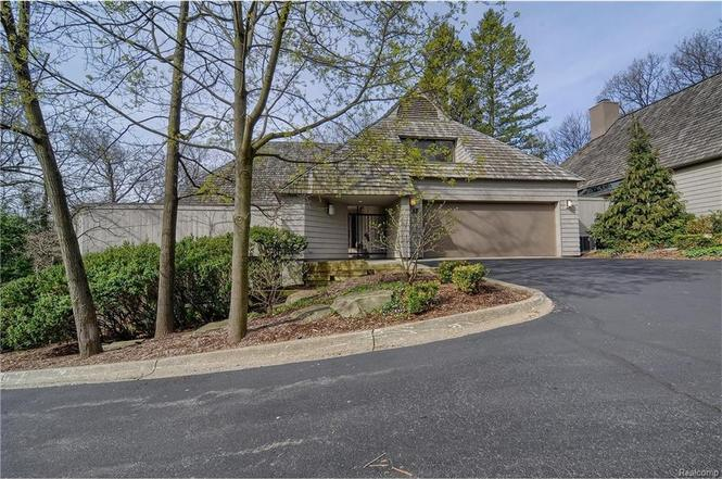 bloomfield hills chat Pet friendly 3+250 house in bloomfield hills pet ok fabulous adams woods rental featuring 3 bedrooms upstairs and 2 5 baths in a beautiful, tranquil se.