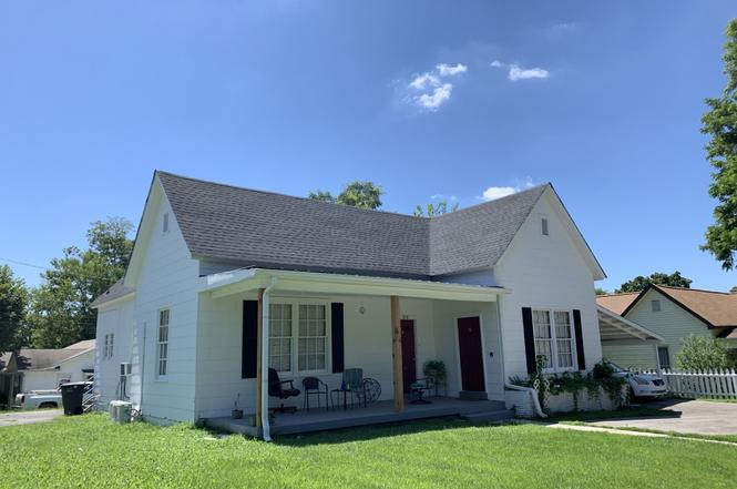 212 3rd Ave, Columbia, TN 38401