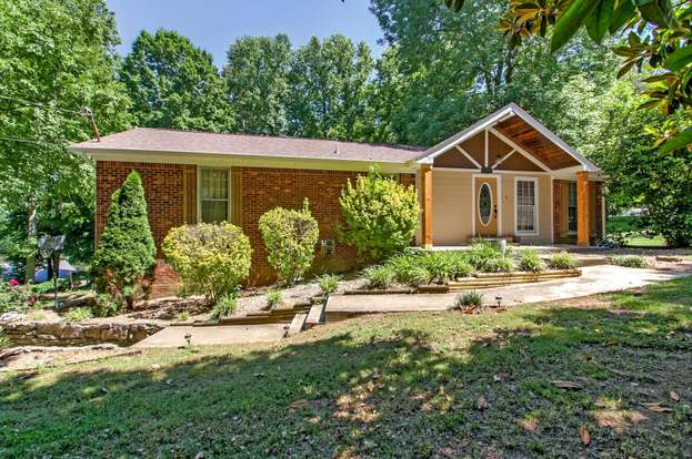 502 Spring Valley Dr, Columbia, TN 38401   3 Beds/2 Baths