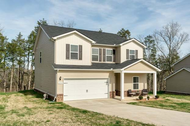 2253 Bee Hive Dr, Columbia, TN 38401 - 4 beds/2 5 baths