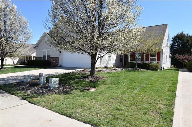 13215 Thornhill Run, Fishers, IN 46038 - 3 beds/2 5 baths