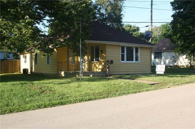 520 Taylor St Pendleton In 46064 Mls 21591044 Redfin