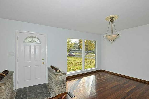 520 Woodmere Dr Indianapolis In 46260, Woodmere Laminate Flooring