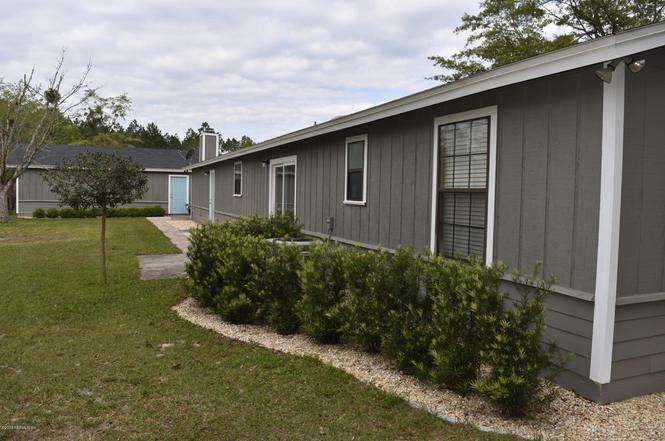 243 Sesame St, Middleburg, FL 32068 - 3 beds/2 baths