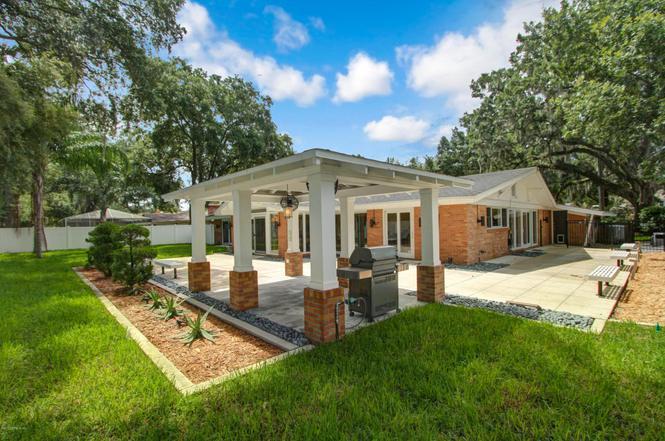 909 Oriental Gardens Rd, Jacksonville, FL 32207