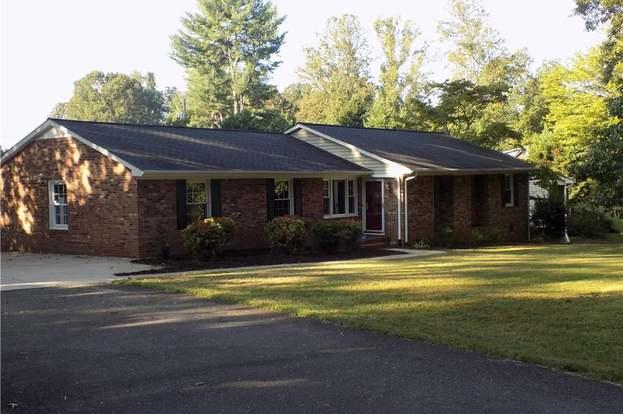 823 Branchwood Dr, Kernersville, NC 27284 - 3 beds/2 5 baths