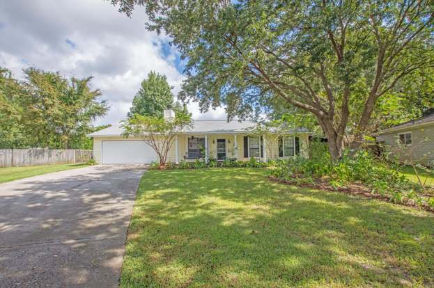 Surprising 8042 Nova Ct North Charleston Sc 29420 3 Beds 2 Baths Home Interior And Landscaping Transignezvosmurscom