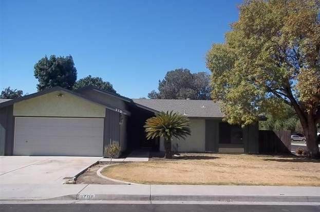 3701 April St, Bakersfield, CA 93309 - 3 beds/2 baths