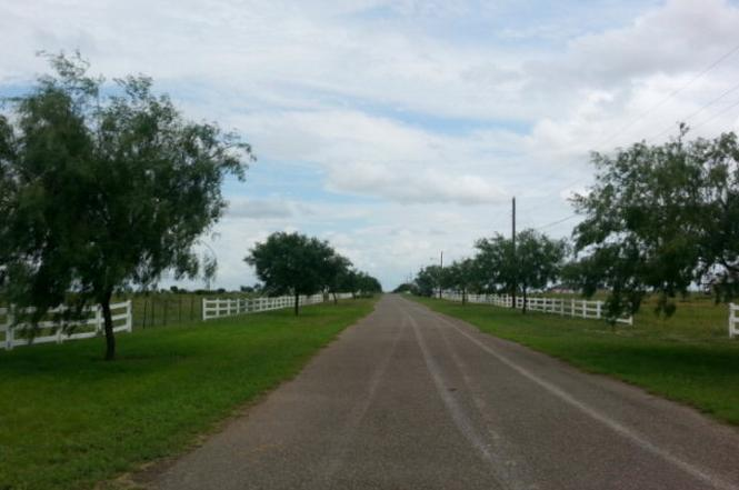 mobile homes for sale mcallen tx with Mcallenmls 199899 on 69713617 zpid furthermore Arlington furthermore Lake Chapala Jalisco Homes as well Surprise Az Home together with Craigslist Laredo Tx Apartments.