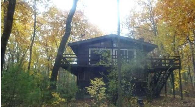 93 N Lowell Rd, Windham, NH - 4 beds/2 baths