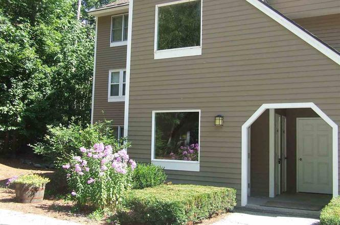 20 #102 Crossing @ Riverplace Rd #102, Woodstock, NH 03262 - 2 beds/3 5  baths
