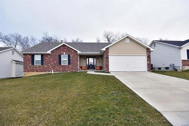 792 Pecan Hill Dr St Charles Mo 63304 Mls 19007337 Redfin