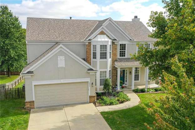 1579 Maple Woods Dr Liberty Mo 64068 4 Beds 4 5 Baths