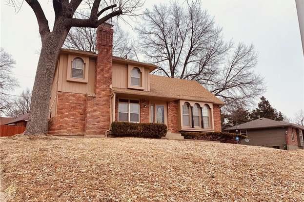 Astounding 7108 Strupwood Ct Kansas City Mo 64133 4 Beds 2 5 Baths Home Interior And Landscaping Palasignezvosmurscom