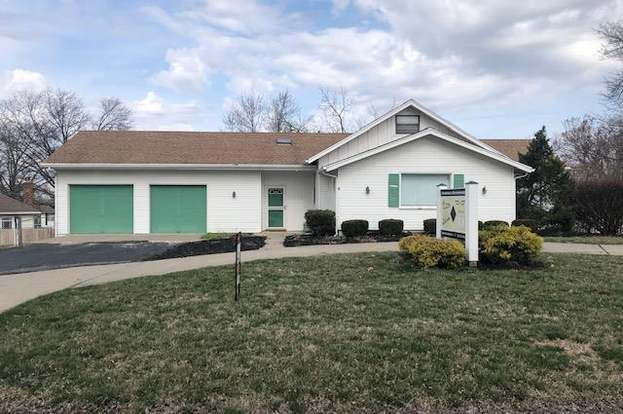7004 N State Route 9 Hwy, Kansas City, MO 64152 - 3 beds/2 baths