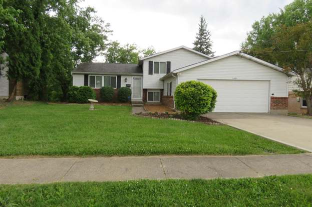 11497 Lincolnshire Dr, Forest Park, OH 45240