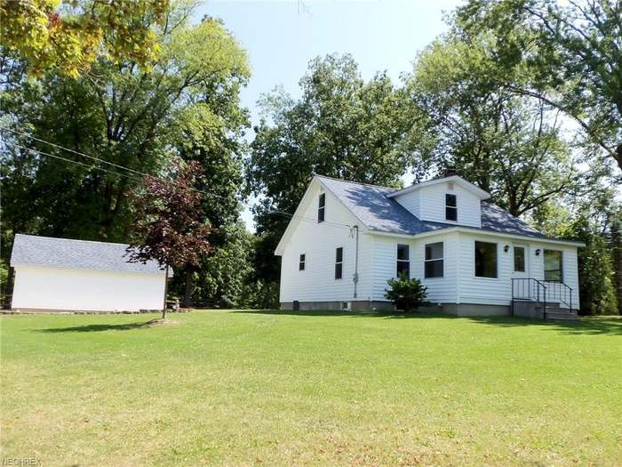 15191 Lake St, Middlefield, OH 44062 - 3 beds/1 5 baths
