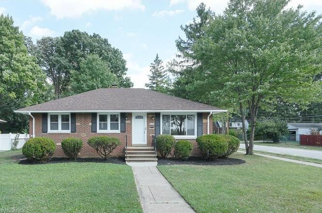 7251 Craigmere Dr, Middleburg Heights, OH 44130 | MLS# 3844079 | Redfin