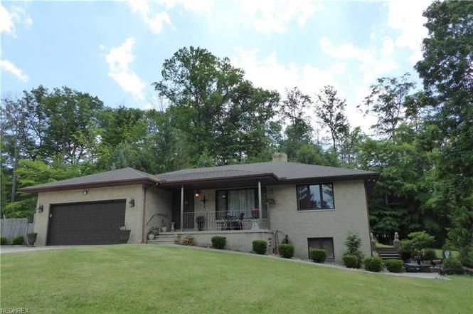 29448 Eddy Rd, Willoughby Hills, OH 44092