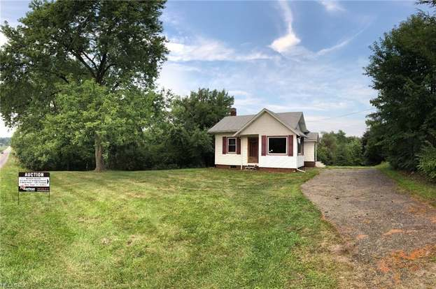 5896 Manchester Ave SW, Navarre, OH 44662
