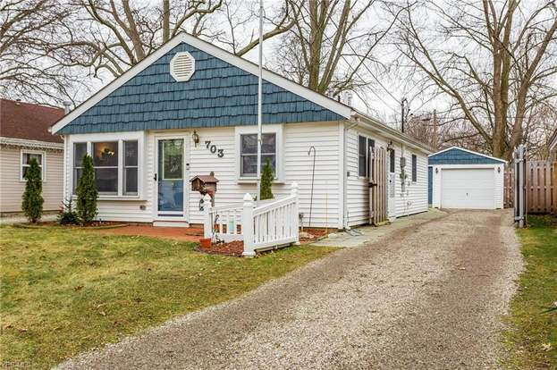 703 Boston Ave, Elyria, OH 44035 - 3 beds/1 bath
