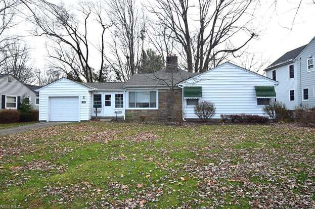 4869 Crestwood Ave Willoughby Oh 44094 Mls 4056751 Redfin