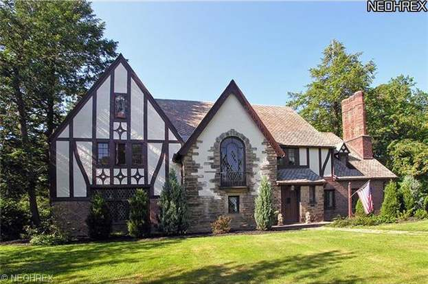 17355 S Woodland Rd, Shaker Heights, OH 44120