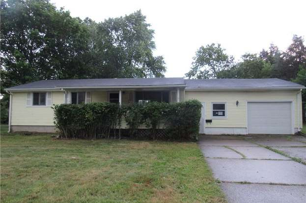 909 Elyria Ave, Amherst, OH 44001 - 3 beds/1 bath