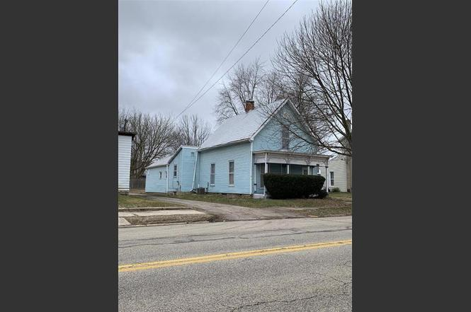 317 N Maple St Eaton Oh 45320 Mls 812072 Redfin