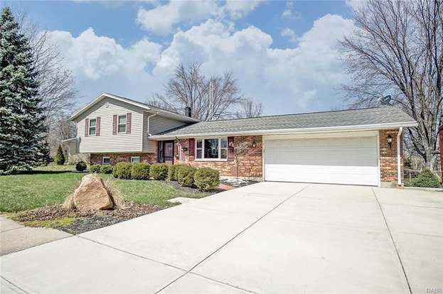 879bc64f1 765 Greenview Dr, Tipp City, OH 45371 - 3 beds/3 baths