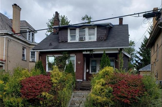 3926 Mcclure Ave, Brighton Heights, PA 15212 - 2 beds/1.5 baths
