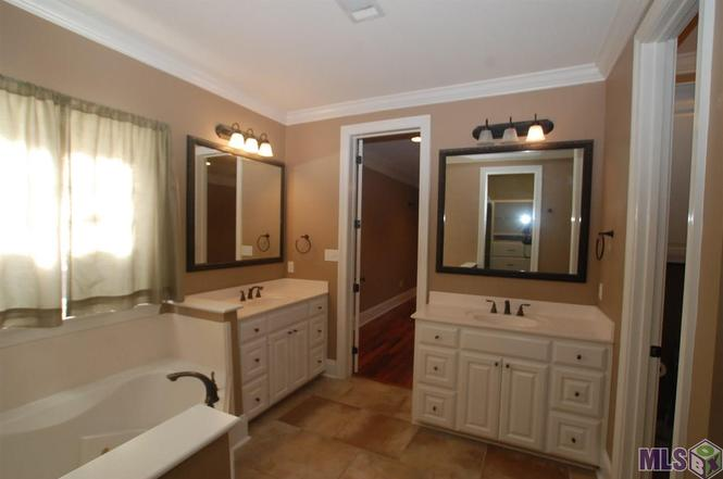 Bathroom Sinks Baton Rouge 6516 cross gate dr, baton rouge, la 70817 | mls# 2016000140 | redfin