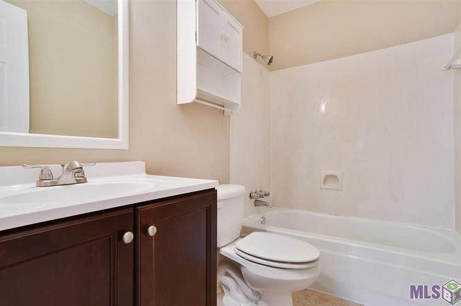 Bathroom Sinks Baton Rouge 15853 maison orleans ct #4, baton rouge, la 70816 | mls
