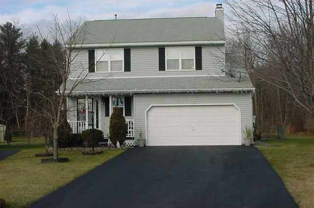30 Wicken Sq, Colonie, NY 12205 - 4 beds/2 5 baths