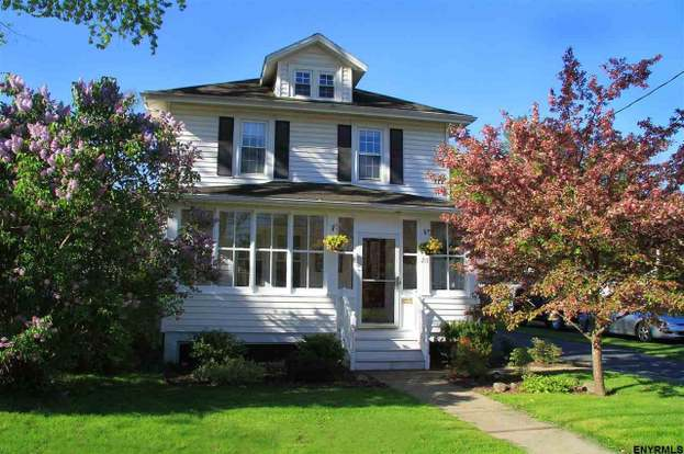 215 Sanders Ave, Glenville, NY 12302 - 3 beds/1 5 baths