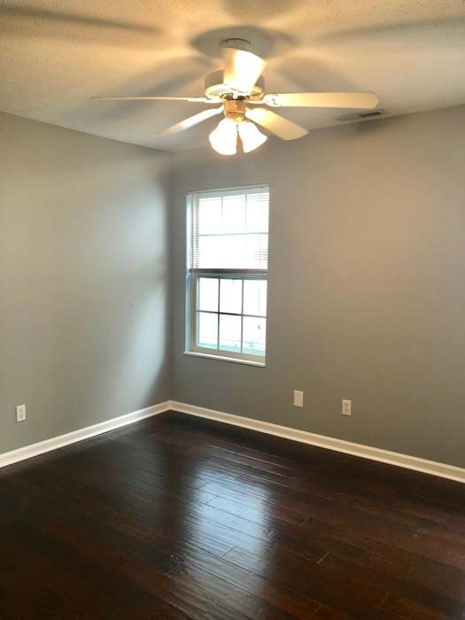 5347 Avery Woods Ln, Knoxville, TN 37921 - 3 beds/2 baths