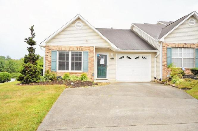 6364 Love Song Ln, Knoxville, TN 37914 - 2 beds/2 baths