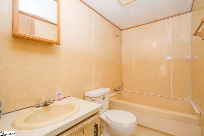 188 Payne Dr, Piedmont, SC 29673 - 3 beds/2 baths