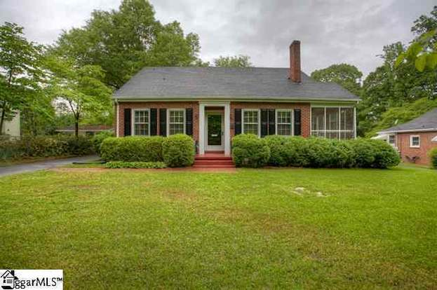 21 Meyers Ct, Greenville, SC 29609 - 3 beds/2 baths
