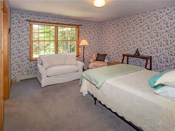 4 Moose Ln, Hallowell, ME 04347 - 4 beds/2 baths