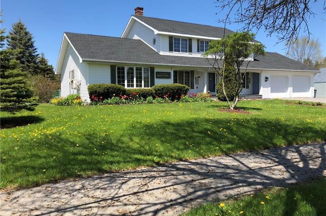 344 Mount Hope Ave, Bangor, ME 04401