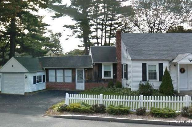 108 Manson Ave, Kittery, ME 03904 - 4 beds/1 bath