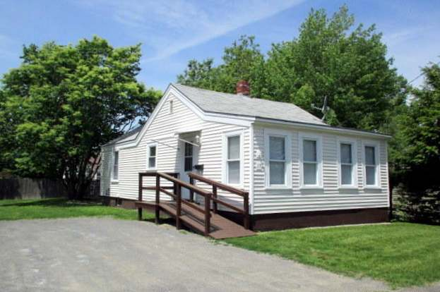 17 Poulin St, Winslow, ME 04901 - 2 beds/1 bath