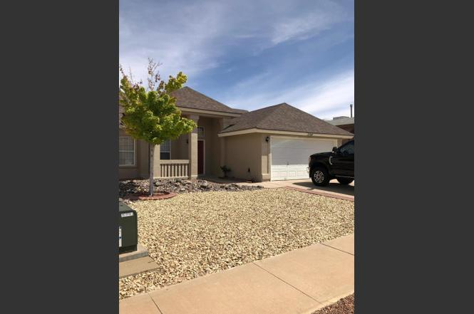 3352 BROKEN BOW St, El Paso, TX 79936 - 3 beds/2 baths