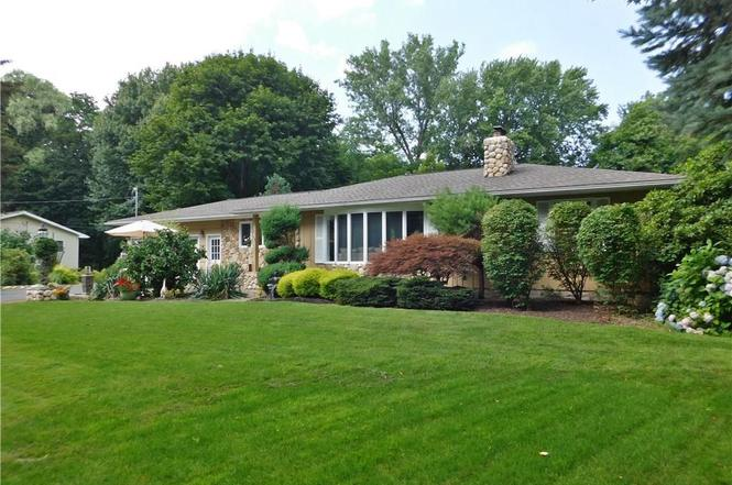 464 Vosburg Rd Webster Ny 14580 Mls R1067325 Redfin