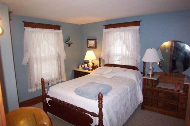 9 Manhattan Ave, Batavia-city, NY 14020 - 4 beds/1.5 baths
