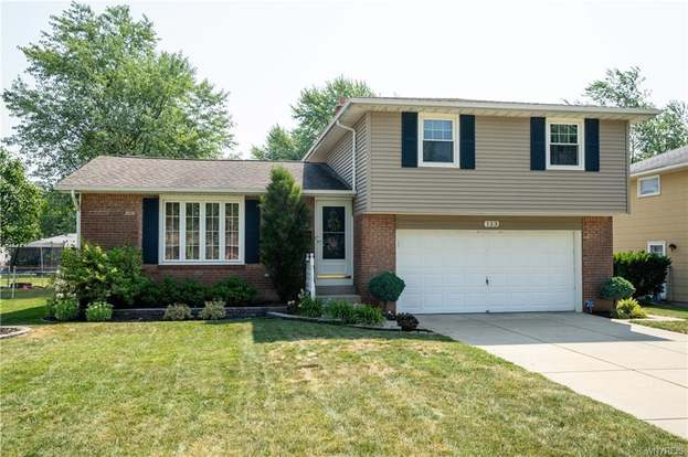 123 Redwood Ter, Amherst, NY 14221 - 3 beds/2 baths