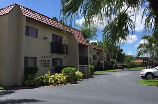 4728 Orange Grove Blvd 11 North Fort Myers FL 33903