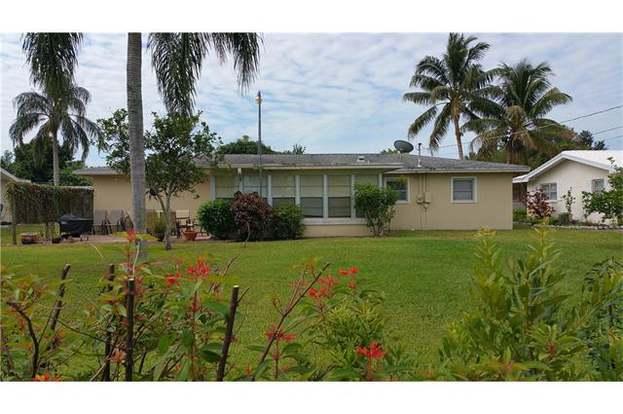 879 Lake Mcgregor Dr, Fort Myers, FL 33919 | MLS# 216034283 | Redfin